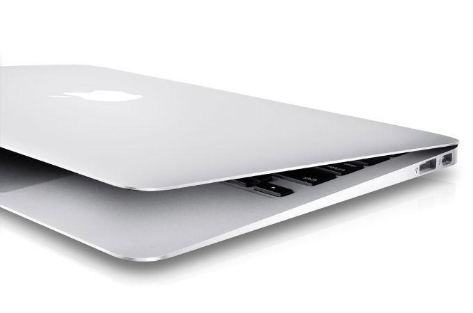 Apple MacBook MC207LL / A 13.3-Inch Laptop Review 2